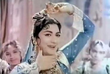 Chaandi ka badan sone ki nazar, from Taj Mahal
