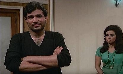 Rajesh Khanna and Nanda in Ittefaq