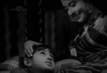 Supriya Choudhury in Khoya-khoya chanda, Door Gagan ki Chhaaon Mein